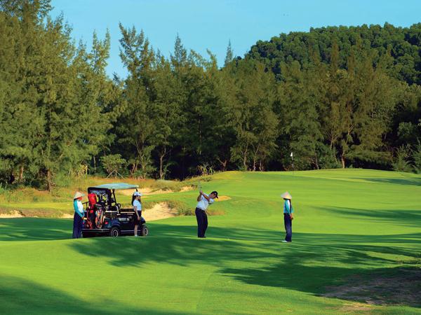 Không được phép xây dựng sân golf trên đất quốc phòng, an ninh - Ảnh 2.