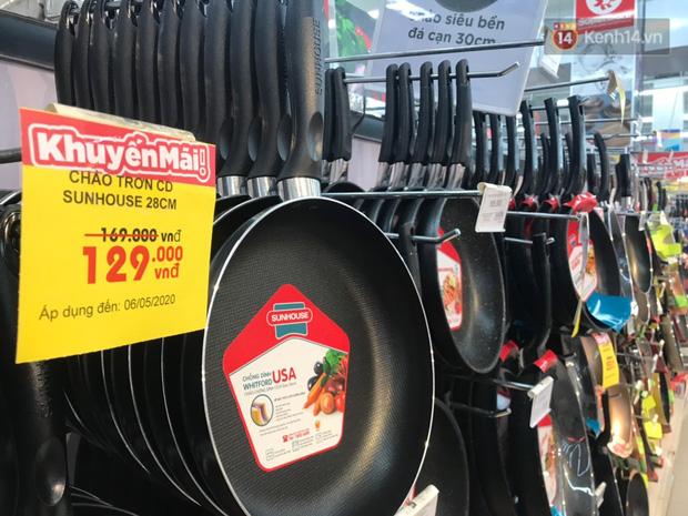 """Hàng Việt Nam áp đảo tại các siêu thị lớn ở Hà Nội: Nhiều mẫu mã, chất lượng đảm bảo, tội gì không dùng hàng Việt"""" - Ảnh 6."""