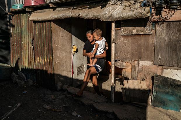 Bạn có thể tránh dịch, nhưng sao thoát được cơn đói?: Chuyện tồn tại của người nghèo châu Á giữa những thành phố bị phong tỏa vì Covid-19 - Ảnh 13.