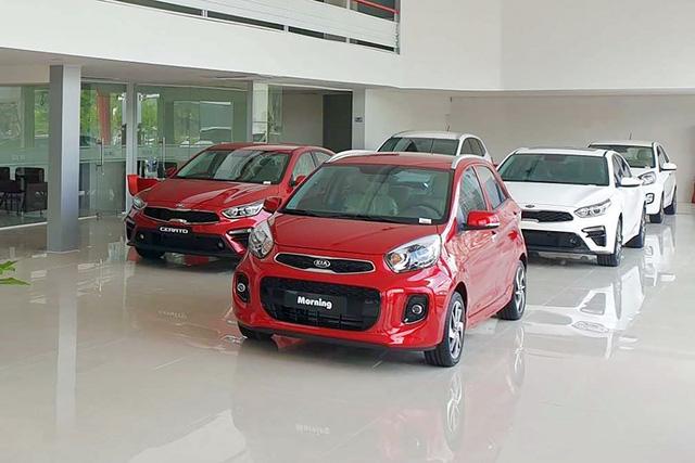 Thời điểm vàng mua ô tô tại Việt Nam: Từ xe sang đến phổ thông đua nhau đại hạ giá với mức giảm tới cả trăm triệu đồng - Ảnh 4.