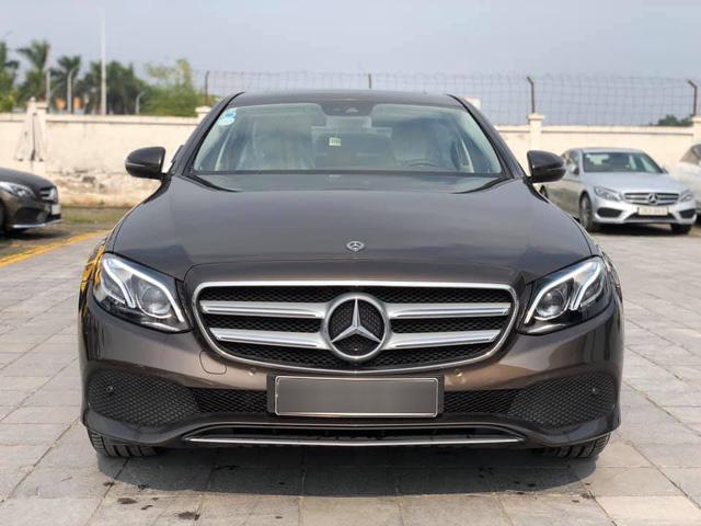 Đại lý Mercedes-Benz xả kho xe trưng bày và chạy thử - Rẻ hơn mua mới hàng trăm triệu đồng - Ảnh 1.