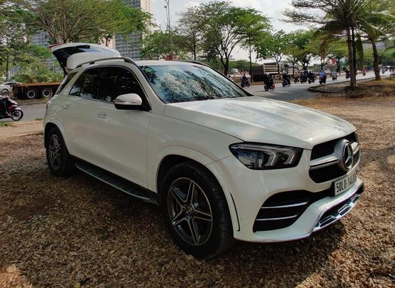 Đại lý Mercedes-Benz xả kho xe trưng bày và chạy thử - Rẻ hơn mua mới hàng trăm triệu đồng - Ảnh 2.