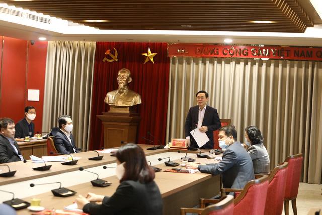 Bí thư Thành ủy Hà Nội Vương Đình Huệ: Xử lý nghiêm cán bộ sai phạm, cương quyết bảo vệ cán bộ tốt - Ảnh 1.