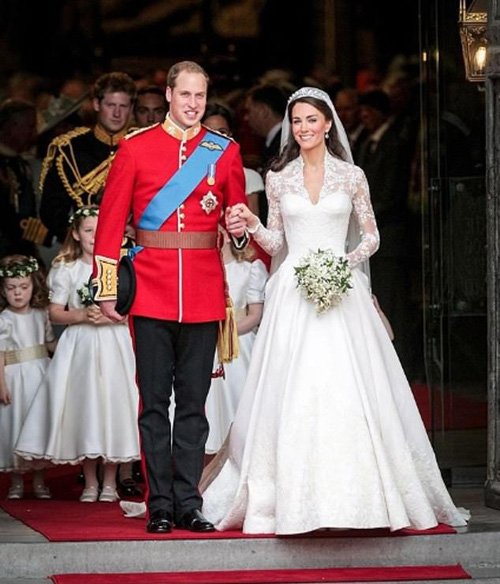 Bị em dâu Meghan Markle cướp sóng đúng vào dịp kỷ niệm 9 năm ngày cưới, Công nương Kate đã có màn đáp trả khôn ngoan - Ảnh 1.