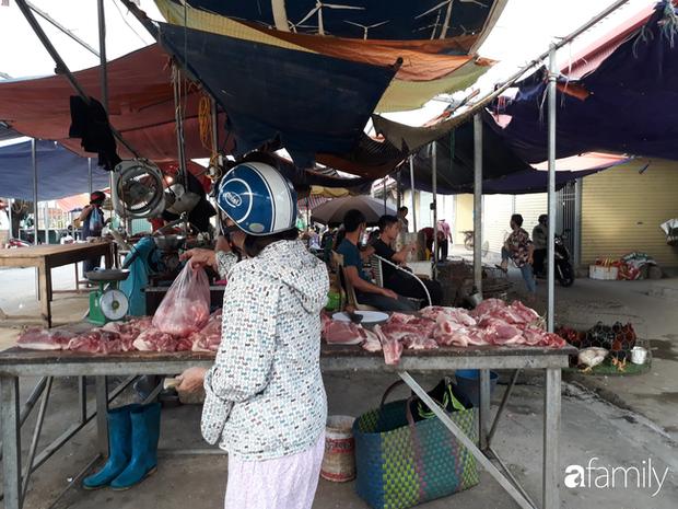 Chủ nhật 10/5: Giá thịt lợn tại các chợ dân sinh vẫn cao, người tiêu dùng đỏ mắt mong ngày giảm giá - Ảnh 2.