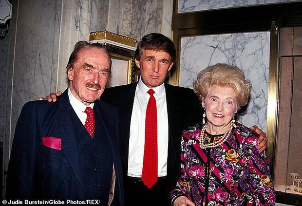 Ảnh cũ của Tổng thống Mỹ bên đấng sinh thành gây chú ý và lần trải lòng hiếm hoi về cha mẹ của ông: Tôi rất nhớ họ - Ảnh 1.