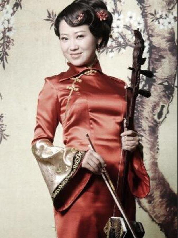 Người phụ nữ quyền lực đứng sau thành công của vị tỷ phú giàu nhất nhì Trung Quốc: Yêu qua mạng, 6 tháng sau lập tức kết hôn - Ảnh 2.