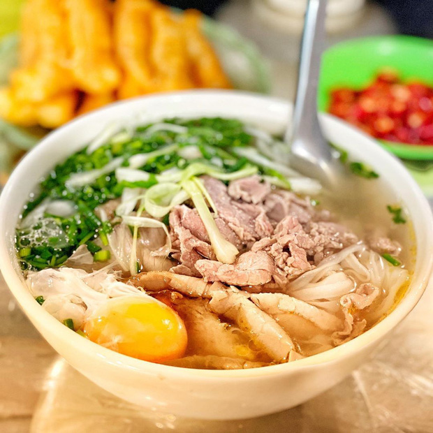 """Báo Pháp gọi Hà Nội là """"ngôi đền của những món ăn đường phố"""" - Ảnh 1."""
