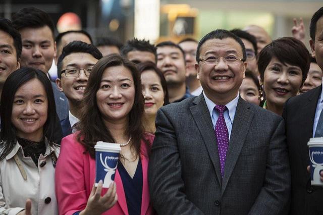 Chủ tịch và CEO Luckin Coffee không còn là tỷ phú sau 'cú lừa' 310 triệu USD - Ảnh 1.