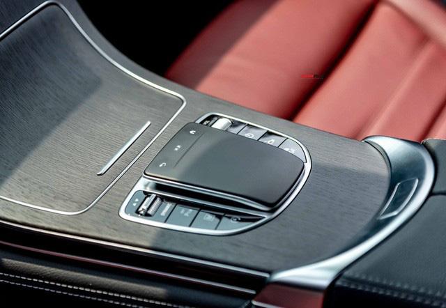 Sau 8.000 km, hàng hiếm Mercedes-Benz GLC 300 AMG nhập khẩu bán lại rẻ hơn tiền ra biển xe lắp ráp - Ảnh 11.