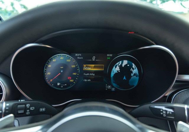 Sau 8.000 km, hàng hiếm Mercedes-Benz GLC 300 AMG nhập khẩu bán lại rẻ hơn tiền ra biển xe lắp ráp - Ảnh 13.