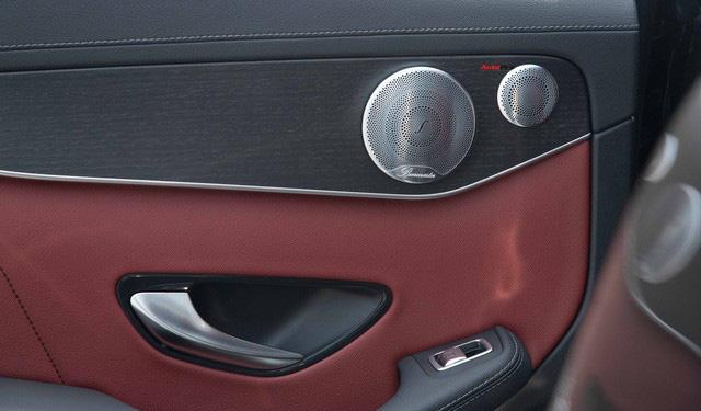 Sau 8.000 km, hàng hiếm Mercedes-Benz GLC 300 AMG nhập khẩu bán lại rẻ hơn tiền ra biển xe lắp ráp - Ảnh 16.