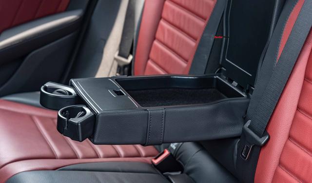 Sau 8.000 km, hàng hiếm Mercedes-Benz GLC 300 AMG nhập khẩu bán lại rẻ hơn tiền ra biển xe lắp ráp - Ảnh 18.