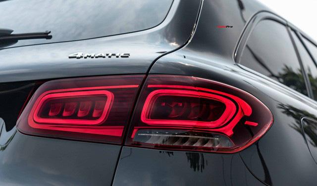 Sau 8.000 km, hàng hiếm Mercedes-Benz GLC 300 AMG nhập khẩu bán lại rẻ hơn tiền ra biển xe lắp ráp - Ảnh 6.