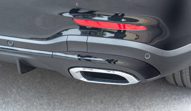 Sau 8.000 km, hàng hiếm Mercedes-Benz GLC 300 AMG nhập khẩu bán lại rẻ hơn tiền ra biển xe lắp ráp - Ảnh 8.