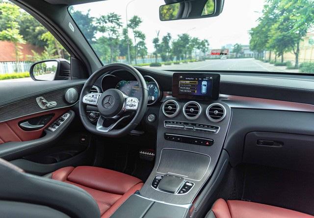 Sau 8.000 km, hàng hiếm Mercedes-Benz GLC 300 AMG nhập khẩu bán lại rẻ hơn tiền ra biển xe lắp ráp - Ảnh 10.