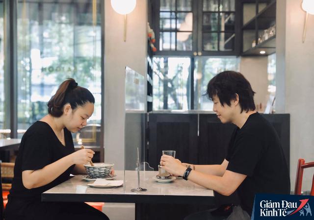Ông chủ nhà hàng Việt trên đất Thái kể chuyện dùng gấu trúc tiếp khách lên báo quốc tế - Ảnh 4.
