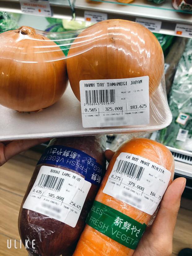 """Lần đầu trải nghiệm siêu thị Nhật tại Việt Nam, cô gái """"sốc"""" trước mức giá rau củ ngoại nhập: Món rẻ nhất cũng từ hàng trăm nghìn trở lên? - Ảnh 5."""