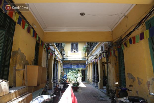 Ngắm ngôi biệt thự 800m2 của đại gia giàu nhất phố cổ Hà Nội một thời, từng xuất hiện trên nhiều bộ phim nổi tiếng - Ảnh 4.