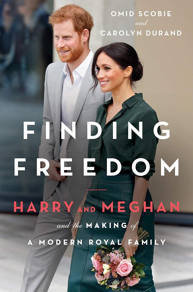 Cuốn sách bom tấn của vợ chồng Meghan Markle: Hé lộ sự thật về việc ai mới là người đưa ra quyết định nhà Sussex rời khỏi hoàng gia Anh - Ảnh 1.
