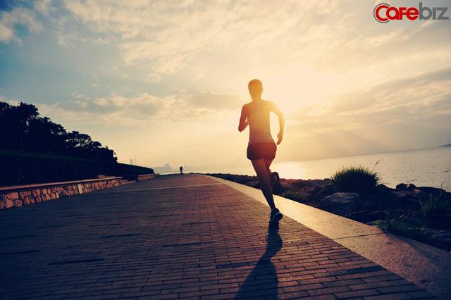 Dậy sớm, ở một mình, chạy bộ, đọc sách, viết lách: Những việc đơn giản này đã mang lại cho tôi những thay đổi lớn lao  - Ảnh 2.