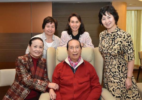 Chuyện đời ly kỳ của 4 bóng hồng kề cận trùm sòng bạc Macau suốt 98 năm cuộc đời: Xuất thân khác biệt nhưng nhan sắc và tài năng đều có thừa - Ảnh 4.