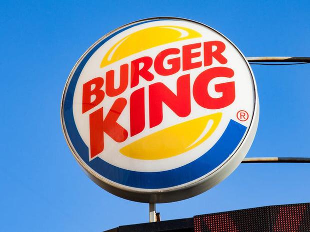 """Logo của những thương hiệu ăn uống đình đám nhất thế giới thay đổi ra sao theo thời gian: """"Chóng mặt"""" nhất vẫn là hãng đầu tiên - Ảnh 21."""