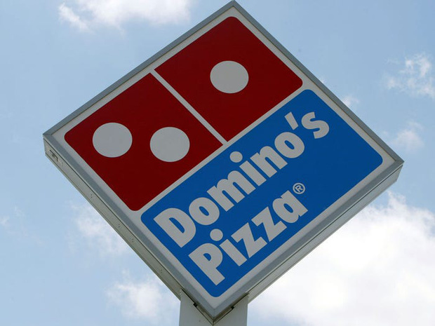 """Logo của những thương hiệu ăn uống đình đám nhất thế giới thay đổi ra sao theo thời gian: """"Chóng mặt"""" nhất vẫn là hãng đầu tiên - Ảnh 22."""