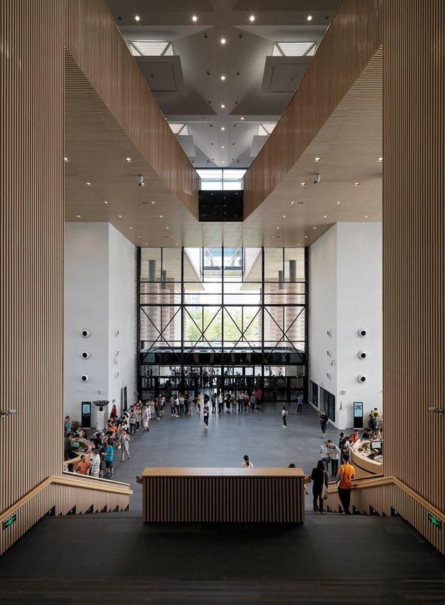 Trường Đại học được mệnh danh là Havard châu Á, vừa hiện đại, vừa cổ kính như phim cung đấu - Ảnh 12.
