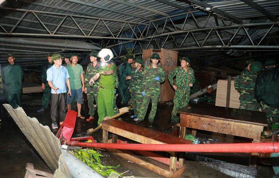 [ẢNH] Hiện trường vụ sập nhà xưởng ở Vĩnh Phúc làm 3 người chết, 18 người bị thương - Ảnh 4.