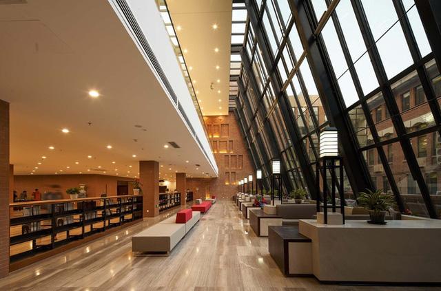 Trường Đại học được mệnh danh là Havard châu Á, vừa hiện đại, vừa cổ kính như phim cung đấu - Ảnh 9.