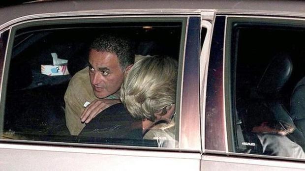 Điều ít biết về hai món đồ Công nương Diana nắm chặt trong tay sau khi trút hơi thở cuối cùng khiến nhiều người xúc động - Ảnh 1.
