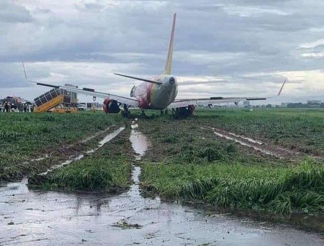 165 chuyến bay của Vietnam Airlines Group bị ảnh hưởng vì sân bay Tân Sơn Nhất đóng cửa  - Ảnh 1.