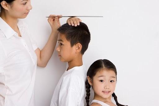 Chuyên gia dinh dưỡng bật mí 5 yếu tố giúp con bạn cao như Tây: Hãy tranh thủ, đừng bỏ lỡ - Ảnh 1.