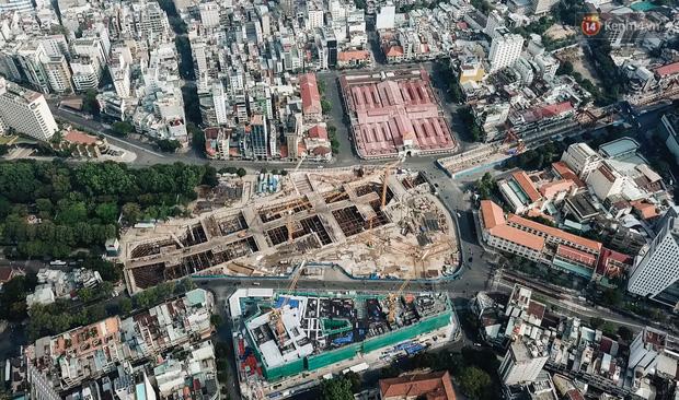 Flycam cận cảnh nhà ga ngầm trung tâm Bến Thành, công trình phức tạp nhất vì kết nối 4 tuyến Metro ở Sài Gòn - Ảnh 18.