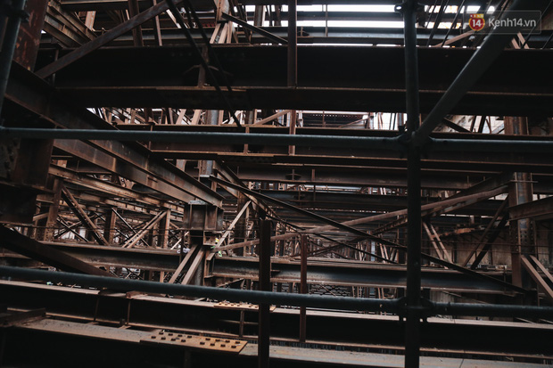 Flycam cận cảnh nhà ga ngầm trung tâm Bến Thành, công trình phức tạp nhất vì kết nối 4 tuyến Metro ở Sài Gòn - Ảnh 7.