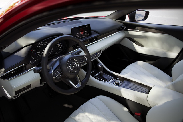 Mazda6 2020 tại Việt Nam úp mở trước giờ G, mẫu cũ 'xả kho' ưu đãi 65 triệu đồng - Ảnh 7.