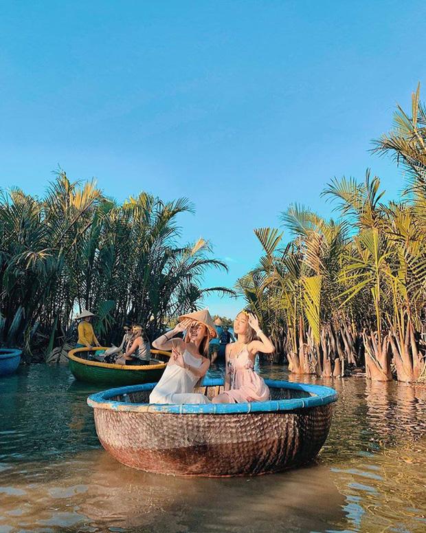 """Ngỡ ngàng """"miền Tây thu nhỏ"""" giữa lòng Hội An: Rừng dừa xanh mướt hơn 100 ha, trải nghiệm từ đánh cá, đập nồi đến màn múa thúng cảm giác mạnh có """"1-0-2"""" - Ảnh 6."""