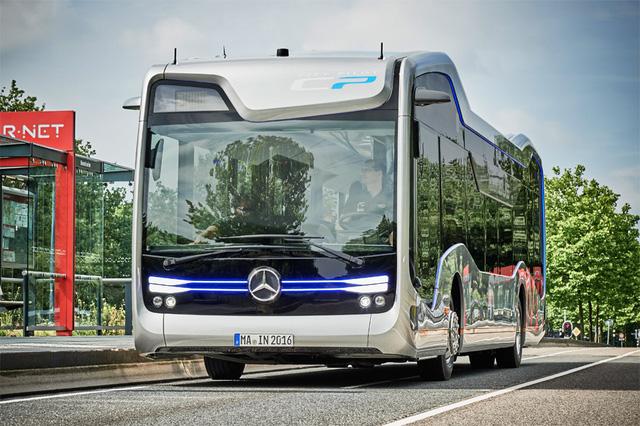 THACO lắp ráp xe buýt Mercedes-Benz tại Việt Nam, thâu tóm mảng xe thương mại - Ảnh 2.