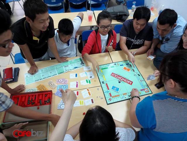Vì sao tôi khuyên tất cả trẻ em chơi trò cờ tỷ phú? Bởi lẽ nó dạy cho 90% trẻ em về tiền bạc - Ảnh 2.