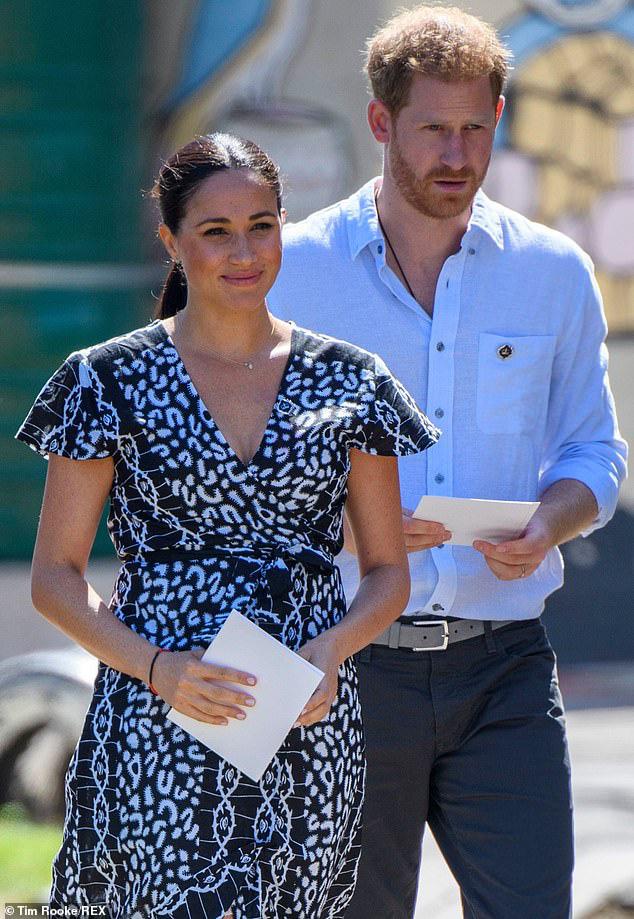 Meghan Markle từ chối thành ý của Nữ hoàng Anh trong khi Harry thì tuyệt vọng, hôn nhân của cả hai đang trên bờ vực đổ vỡ? - Ảnh 2.