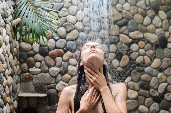 7 bộ phận quan trọng của cơ thể nhất định phải được làm sạch đúng cách khi tắm, nếu không vi khuẩn sẽ làm ổ và gây bệnh nghiêm trọng - Ảnh 1.