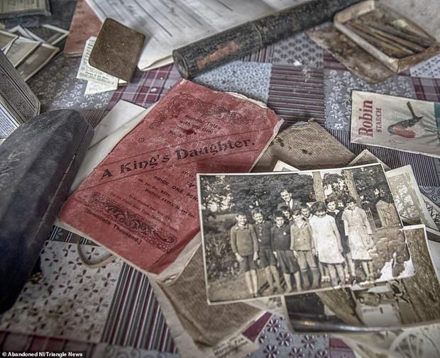 Ghé thăm ngôi nhà của ký ức từ hơn 200 năm trước vẫn còn nguyên vẹn: Đồng hồ đã ngưng điểm, hàng trăm bức thư tình vẫn còn trong ngăn kéo - Ảnh 13.