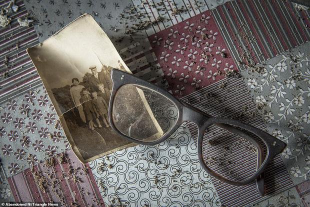Ghé thăm ngôi nhà của ký ức từ hơn 200 năm trước vẫn còn nguyên vẹn: Đồng hồ đã ngưng điểm, hàng trăm bức thư tình vẫn còn trong ngăn kéo - Ảnh 14.