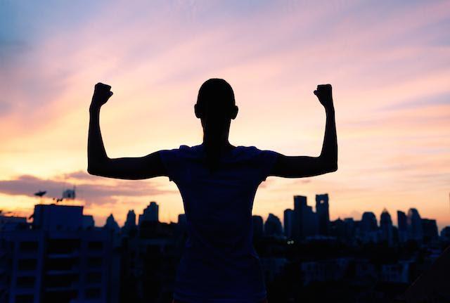 Trở thành một người bình thường hay phi thường là lựa chọn của bạn: Điều quan trọng số 1 là ngừng đổ lỗi và biến mình thành nạn nhân suốt cả cuộc đời - Ảnh 3.