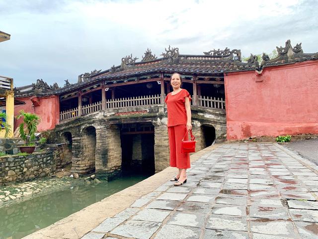 Đưa mẹ đi khắp thế gian: Chuyến du lịch đầu tiên trong đời của mẹ, khám phá Huế - Hội An và giấc mơ dần trọn vẹn - Ảnh 5.