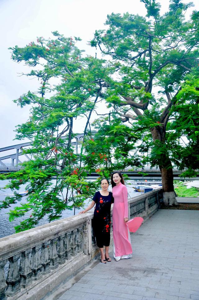 Đưa mẹ đi khắp thế gian: Chuyến du lịch đầu tiên trong đời của mẹ, khám phá Huế - Hội An và giấc mơ dần trọn vẹn - Ảnh 6.