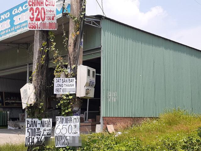 Hoa mắt với cung đường tờ dán, tờ rơi rao bán BĐS tại Long Thành (Đồng Nai) - Ảnh 2.