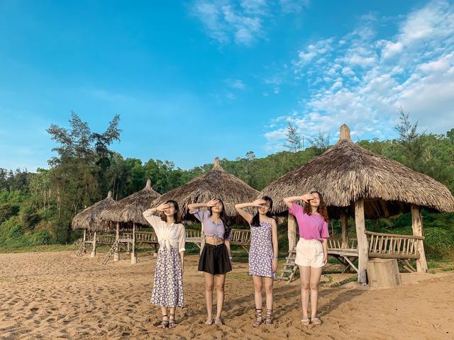 Cách Hà Nội 4 giờ đồng hồ, biển Bãi Đông vừa sạch vừa vắng chi phí chỉ 1 triệu quá hợp lý cho 2 ngày cuối tuần - Ảnh 10.