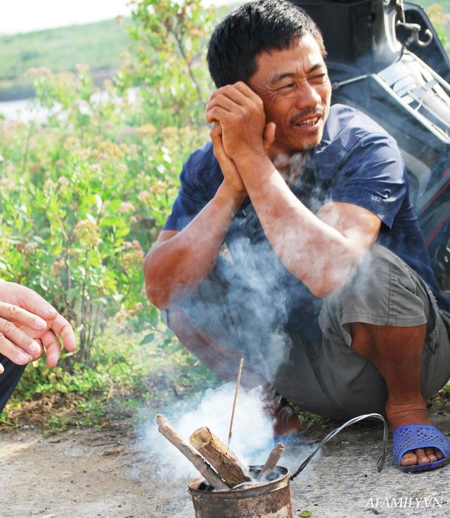 Tạm xa Hồ Tây một hôm, về Ninh Bình thăm bác nông dân thu nhập khủng nhờ nuôi ong lấy mật từ loài hoa ít ai ngờ tới  - Ảnh 6.